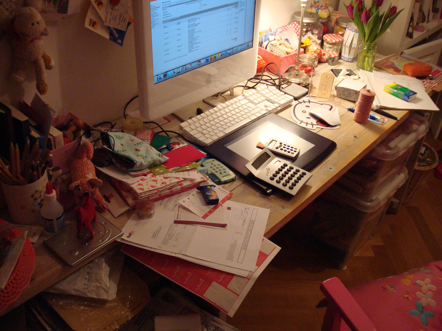 chaos-on-my-desk