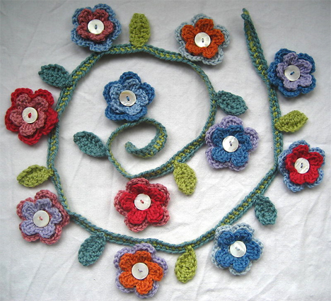 crocheted-flower-garland