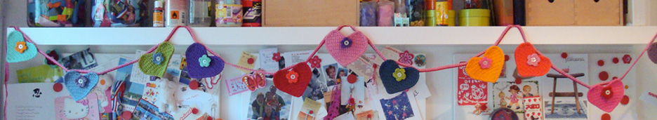 crocheted-hearts-bunting